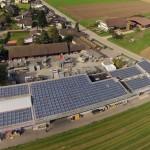 Photovoltaikanlage der W. & O. Geiser AG aus der Vogelperspektive